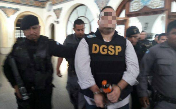 Vinculan a proceso a Javier Duarte por tres de siete imputaciones