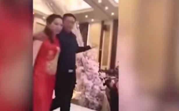 [Video] En plena boda, suegro besa a la fuerza a la novia