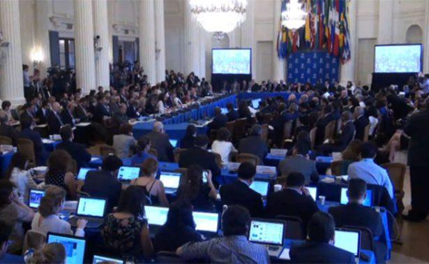 Parlamento venezolano suspende sesión; militares impidieron entrada a prensa