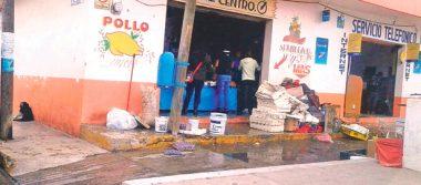 Incendio en céntrico negocio de Jaltepec