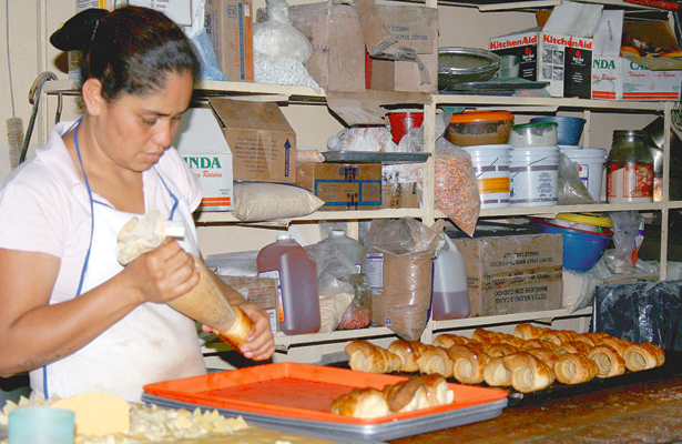 Padecen industriales del pan