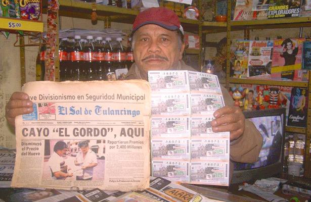 Vendedor de lotería desde hace 5 décadas