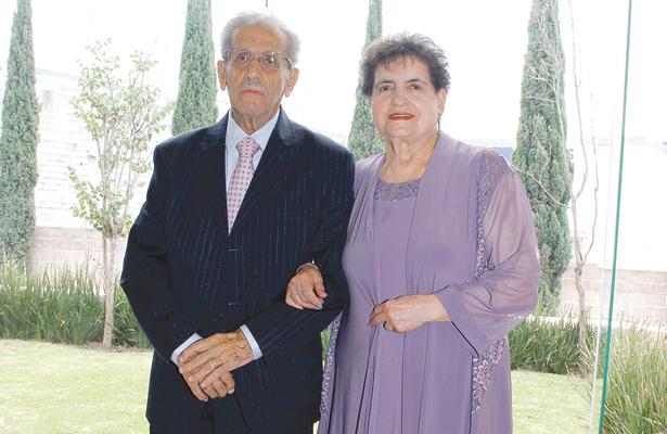 Felicitaciones múltiples para  los esposos Bejos Nicolás
