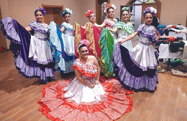 Exitosa actuación de Ballet Folklórico Hidalguense
