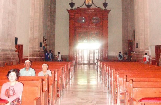Abierta y con actividades Cotidianas está Catedral