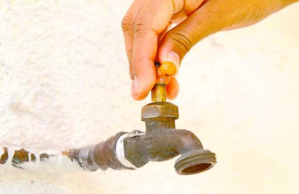 Problemas de servicio de agua en 12 colonias