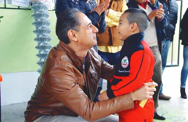Dan apoyos para beneficio de  jardín de niños, en La Cañada