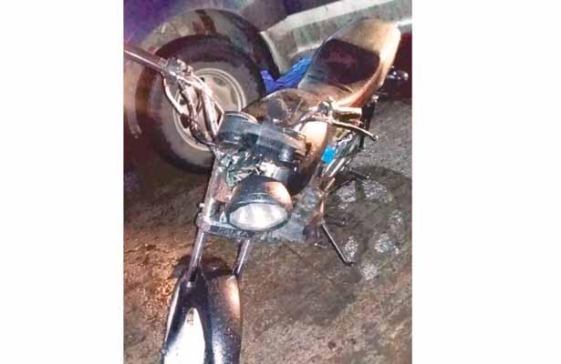 Detienen a dos por traer moto con reporte de robo