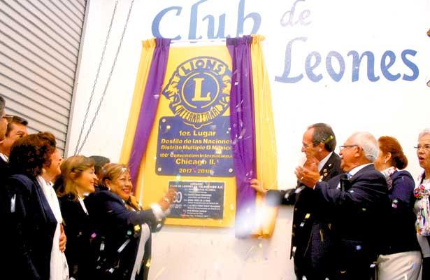 Develaron placa en Club de Leones de Tulancingo