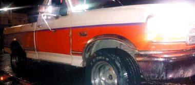 Atraparon a 2 con camioneta robada