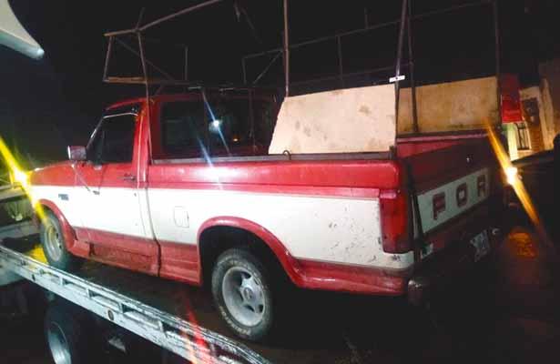 Estaba en fiesta y le roban su camioneta; Policía la encuentra