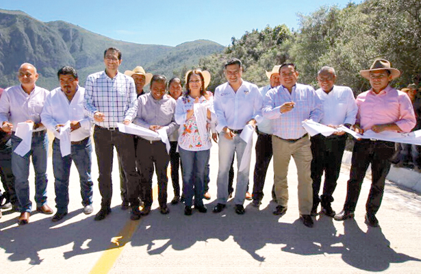 Lleva CDI caminos y desarrollo a pueblos indígenas