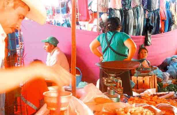Sanciones a comerciantes por no dar kilos completos