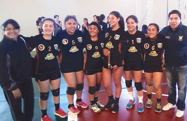 LAS CAMPEONAS de Hidalgo en voleibol, en la categoría Juvenil Menor, son de Tulancingo. Foto: Sol de Tulancingo.