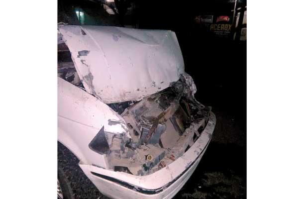 De madrugada se impactó vs vehículo desconocido