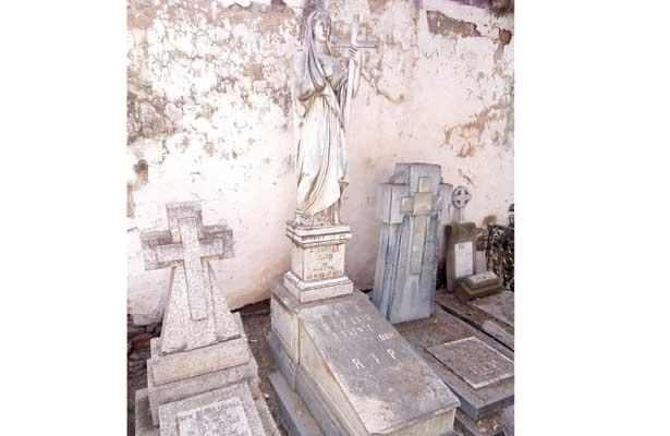 """Panteón San Miguel, considerado """"museo vivo"""""""