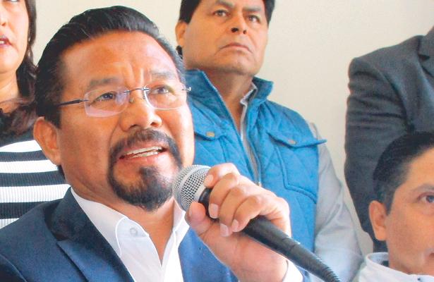 Charrez dialoga con  diferentes partidos políticos