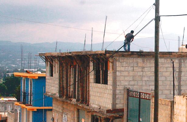 Trabajadores de la obra, sin seguridad