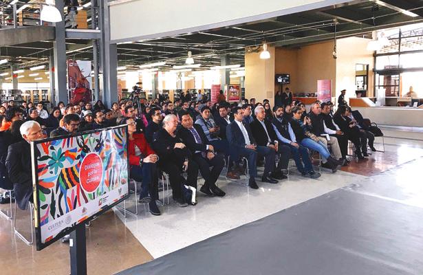 DISTINTAS personalidades asistieron al evento. Foto: Sol de Tulancingo.