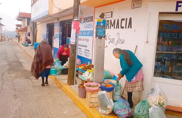 Venden productos que siembran y cosechan
