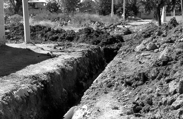 Padecen por agua en sector Francisco Villa