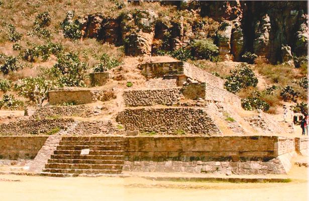 Huapalcalco, zona arqueológica  en escenario por más de 50 años