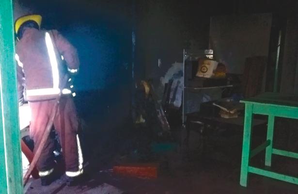 Incendio en bodega alarmó a habitantes