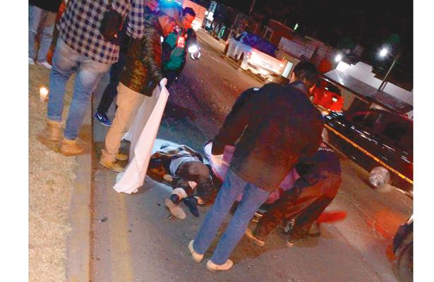 Adulto mayor muere  atropellado por moto