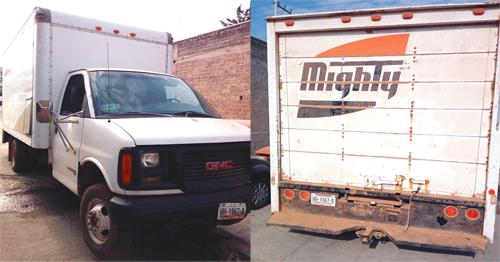 Abandonan camioneta llena de hidrocarburo