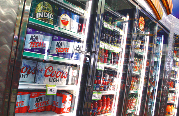 Casi mil 500 permisos  con venta de alcohol
