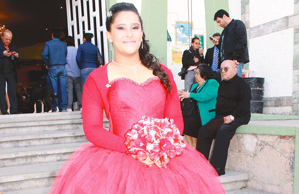 Celebró 15 años María Itzel Nava Mata
