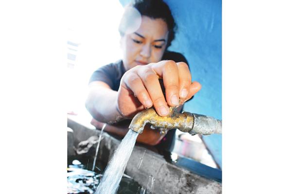 Miles padecen por falta de agua; falla en pozo