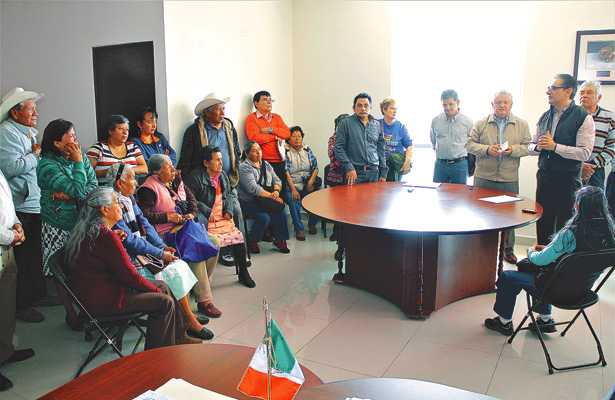 Alcalde se reúne con vecinos de Jaltepec