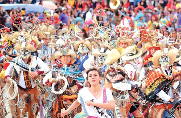 Pintoresco y espectacular Carnaval de Calnali