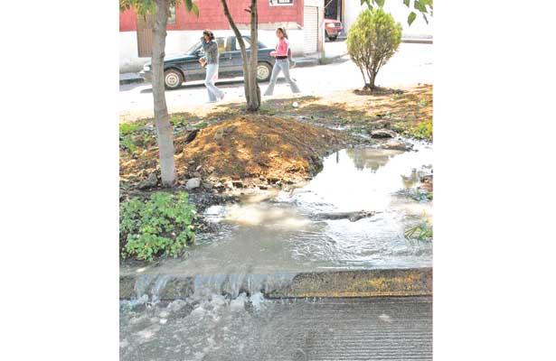 Fugas de agua por tubería obsoleta