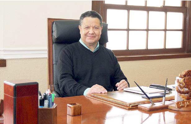 Menchaca está seguro que no será removido de la candidatura