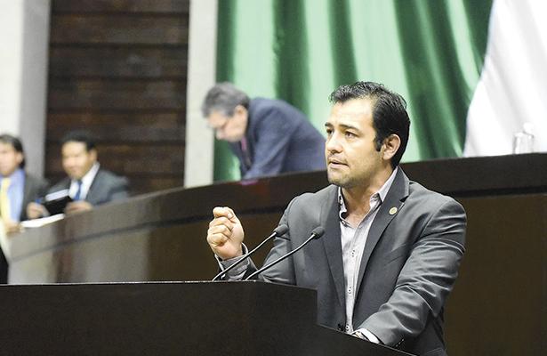 Diputado propone eliminar anuncios políticos en precampañas electorales