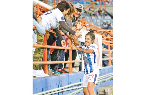 Salazar y García se despacharon con anotaciones; Ocampo las asistió.