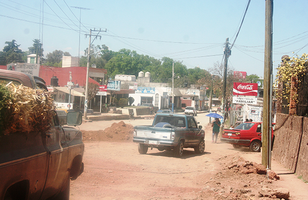 Rehabilitación del par vial a la entrada Zupitlán