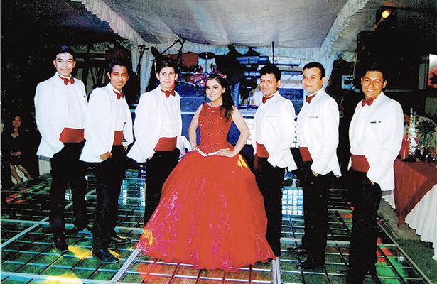 Elsi Amairan Marroquín Tienda celebró sus 15 años
