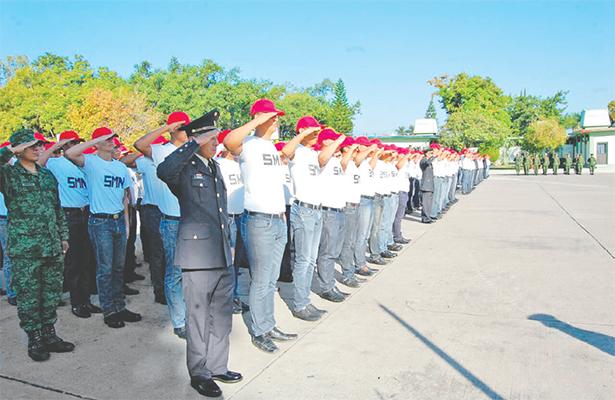 Diputados dan trámite a propuesta de prohibir servicio militar anticipado