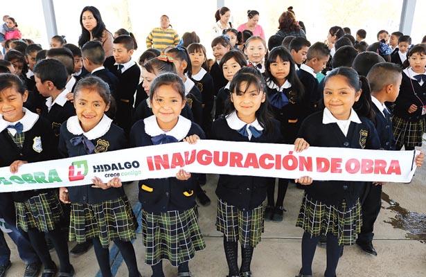 Tres órdenes de gobierno gestionaron  obras para educación en Tlaxiaca