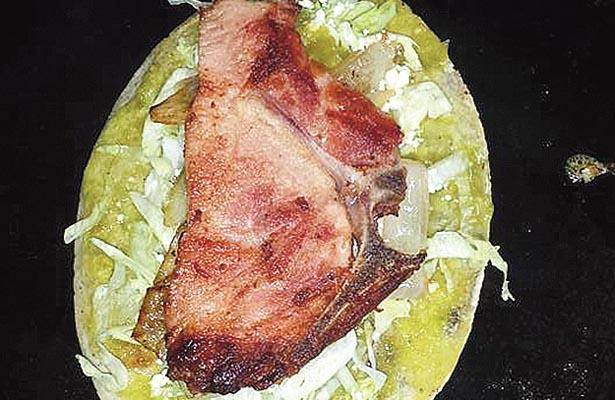 """""""Huaraches"""", platillo típico"""