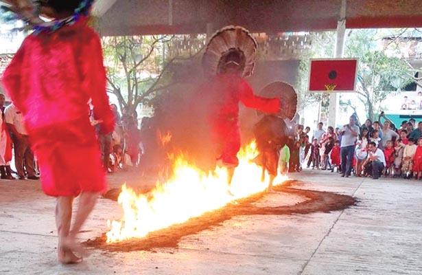 Danza de fuego, una tradición