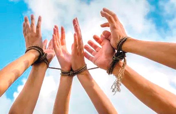 Orienta CDHEH a estudiantescontra la trata de personas