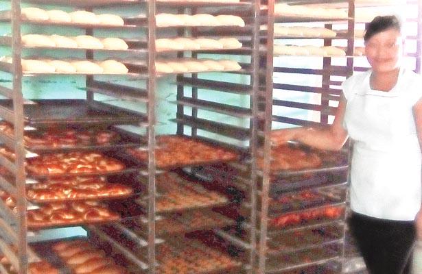 Menos negocios de pan por bajas ventas