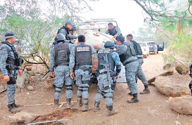 Estatales sorprenden a huachicoles en Cuautepec