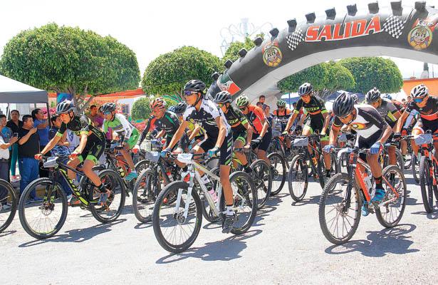 Tlapa organiza ciclismo de montaña