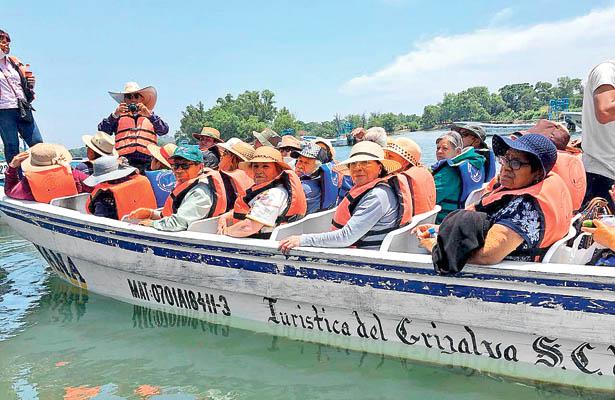 Socios de Casa Club visitan los estados de Chiapas y Veracruz