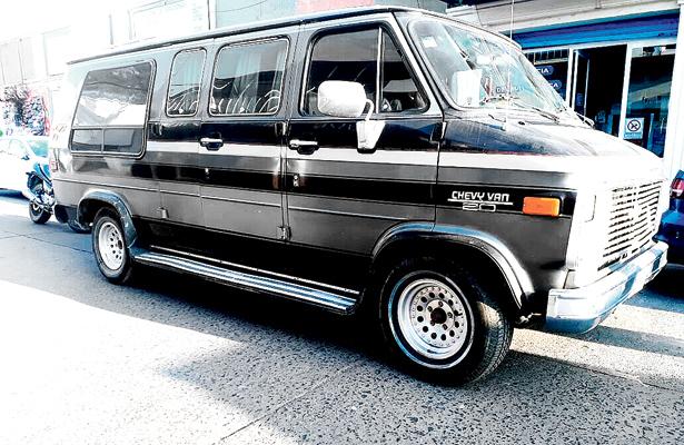 Elemento de Tránsito y Vialidad, embestida por vehículo